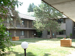An exterior picture of The Laurel Apartments on 1585 Turner Drive in Pullman, Wa