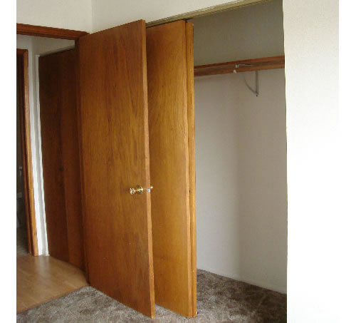 Picture of apartment 13, a one-bedroom at The Cougar Apartments, in Pullman, Wa