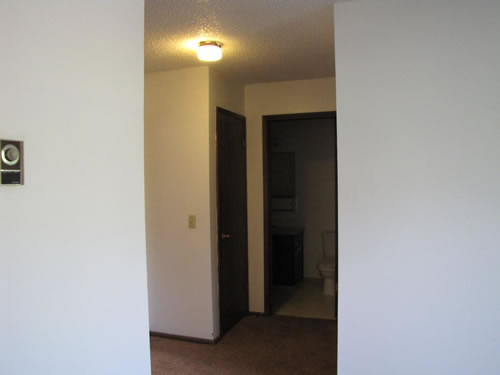 Apartment 43 at The Valley View Apartments, 1325 Valley Road, Pullman, Wa