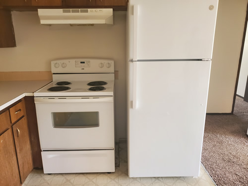 Apartment rentals west view terrace apartments 1142 for Ample closet space